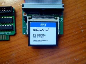 Tarjeta Compact Flash y cable IDE