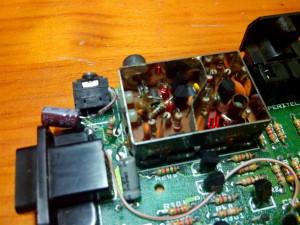 Detalle de colocación de condensador y resistencia