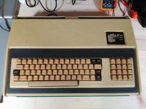 Exidy Sorcerer Modelo DP1000-2
